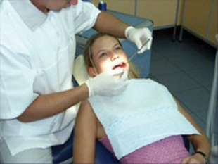 Obrazek dla kategorii Śliniaki stomatologiczne