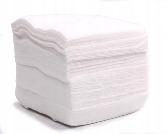 Obrazek Chusty zabiegowe  10x10 cm Chusteczki Chusty kosmetyczne z miękkiej włókniny BIO 10 cm 10 cm białe Myjki jednorazowe Opakowanie 200 sztuk